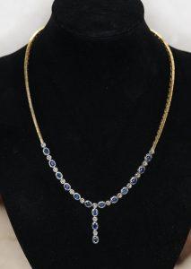 Damen Halskette oder Collier, 750-Gold, kombiniert mit blauen Diamanten