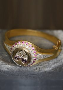 Armreif Gold min 585 Legierung,mit Diamanten besetzt